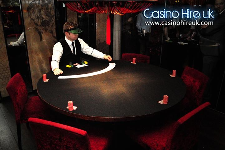 1920-casino-party (9)