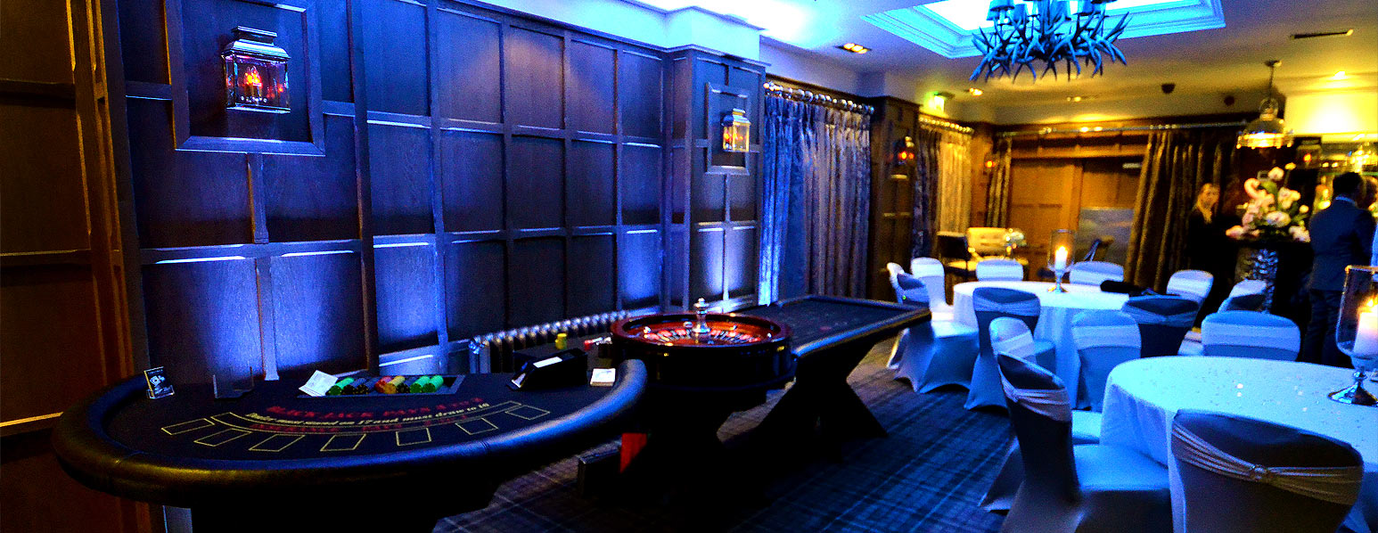 casino table and uplighters